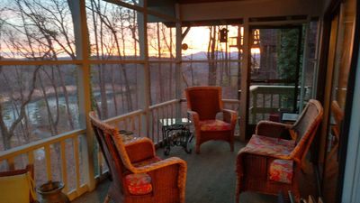 Calming, Cozy mountain retreat! Lake Hiwassee access nearby, NEW outdoor firepit