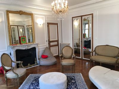 Photo for Champs Elysees Matignon Fbg St Honore 5 ROOMS Air Cond 1750 Sq Feet