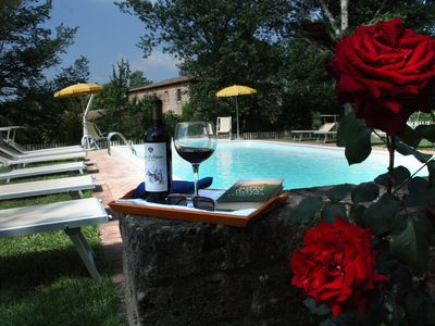 Photo for villa for groups up to 18 seats, overlooking Siena, with heated pool