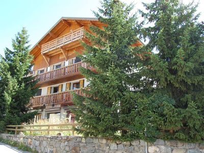 Photo for Large capacity cottage with sauna and jacuzzi