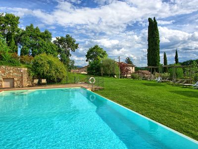 Photo for Apartment with pool, A/C, WIFI, TV, washing machine, panoramic view, parking, close to Florence