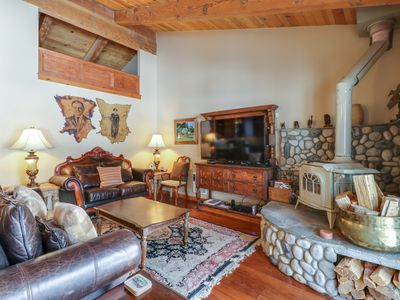 Photo for Stylish mountain condo w/ shared hot tub and seasonal pool