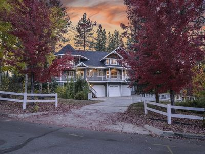 Bear Heaven : Victorian Estate Close to Resorts! Internet! Hot Tub! BBQ! Large Deck!