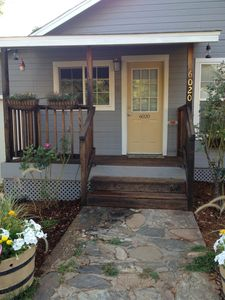 Foresthill Getaway is located in town and close to many wedding sites.