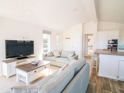 Photo for ASH LODGE, pet friendly, with pool in Newton Abbot, Ref 1008069