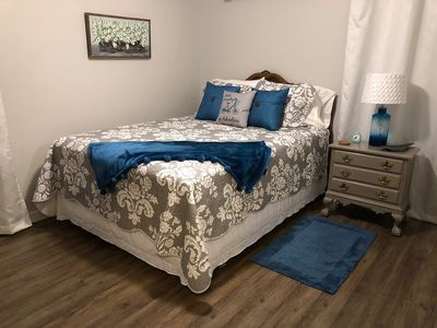 MASTER CLEAN &  COMFY NEW SERTA MATTRESS  / SPRINGS with TV in Room