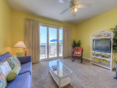 Photo for Lovely Vacation Rental, Beach set-up included, On-site pool and hot tub, On the beach