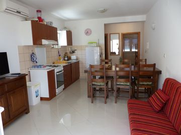 Catharina. Chic and near the beach for 6 people (with car for 7 people).