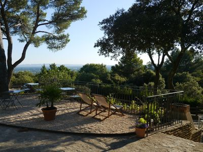 Photo for Isle sur la Sorgue: Villa 6 pers heated pool and views of the Alpilles