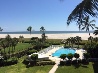 Photo for Breathtaking Beachfront View From This 4th Floor Condo