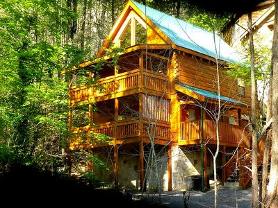 "Photo for Looking for a 3 bedroom Gatlinburg log cabin close to town? Then ""Creekside"" is just for you."