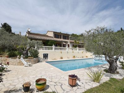 Photo for Beautiful villa in Fayence, 8 to 11 people, 4 bedrooms, pool, A/C, internet