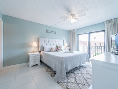 Photo for Bright Family Friendly unit right on the ocean!
