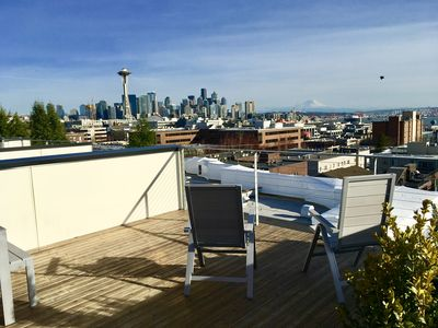 Photo for Modern 3-bedroom townhome in lower Queen Anne with breathtaking views