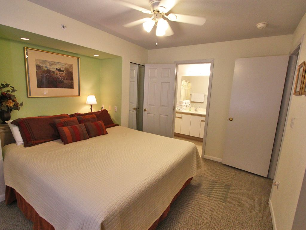 Holiday Hideaway Lovely 2 Bedroom 2 Bath Condo With Cozy King Size Beds Branson Missouri