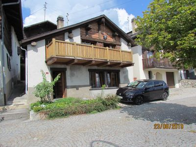 Photo for Detached chalet, spacious with a beautiful view located 8km from Crans-Montana