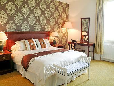Gold room, overlooking the lakes.  Private en-suite facilities.