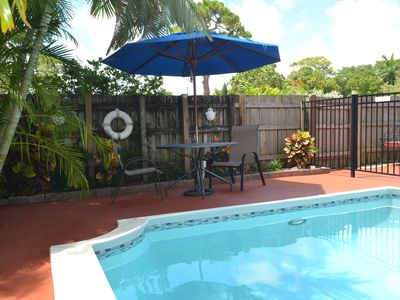 Photo for Cozy one bed one bath with Relaxing Patio & Pool sleeps 4