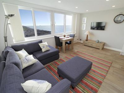 This Charming Third Floor Apartment Overlooks The Sea At Limeslade