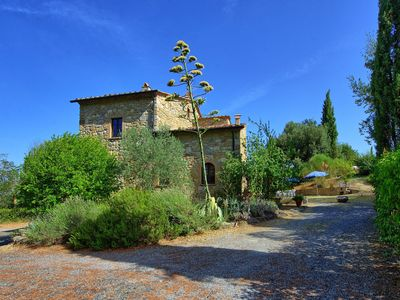 Photo for Private Villa with private pool, WIFI, TV, balcony, panoramic view, parking, close to San Gimignano