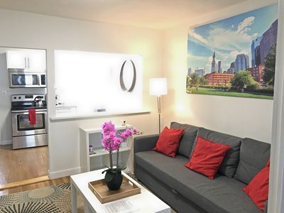 Photo for *Spa Shower*Tourist*Downtown/Convention/Beach/Subway 3-bed-1-bath C287