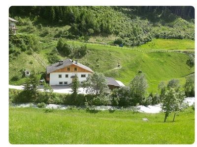 Photo for Charming Studio Apartment Mirko with Balcony, Mountain View, Garden & Wi-Fi; Parking Available