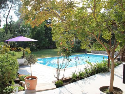 Photo for Riviera, quiet between Nice and Cannes, swimming pool, petanque field.