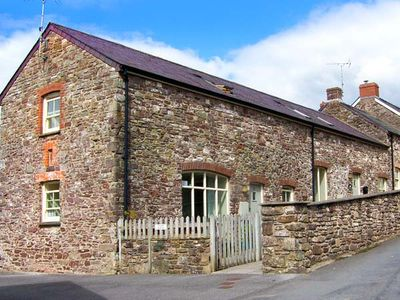 Photo for SWALLOW COTTAGE, pet friendly, with a garden in Laugharne, Ref 24394