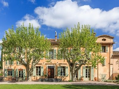 Photo for Le Mitan Villa, Sleeps 14 with Pool and WiFi