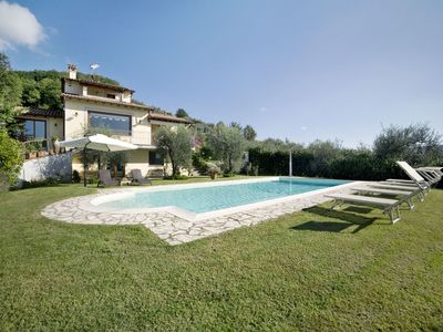 Photo for Private Villa with WIFI, private pool, A/C, TV, terrace, washing machine, close to Viareggio