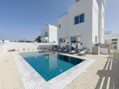 Green Bay Villa #17 - Modern built super holiday home pairing the luxury and comfort