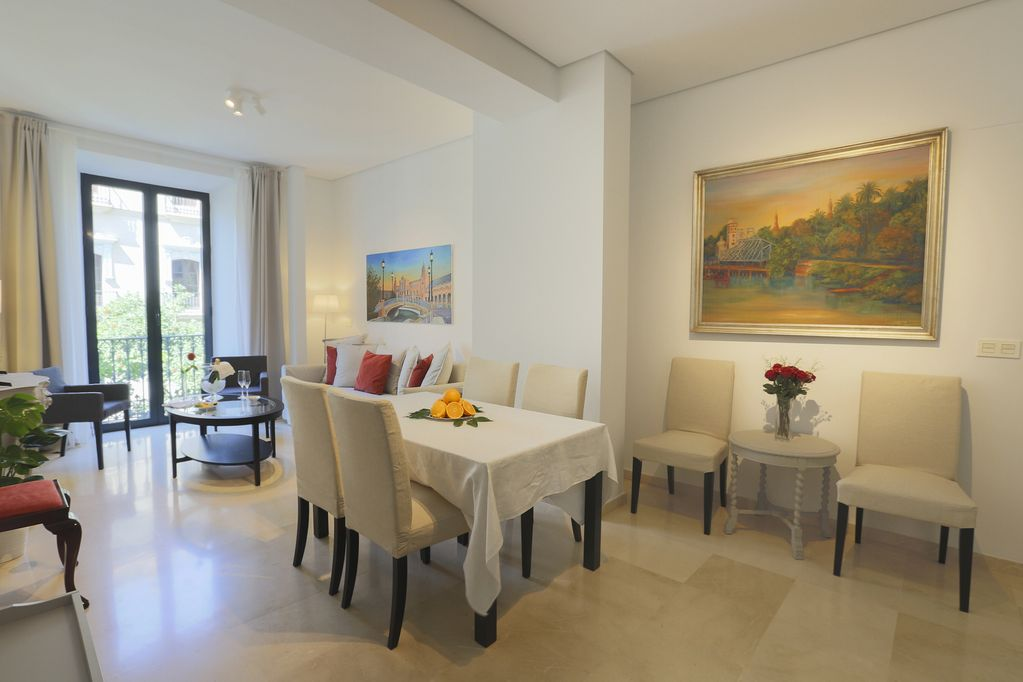 Luxurious Epicenter II apartment: A / C, free Wi-Fi, international TV channels