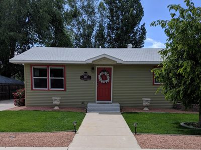 Photo for ♡Peach House-Walk to downtown, Wifi & Smart TVs, garage, big yard & Pets Welcome