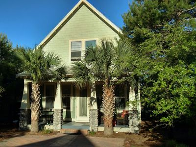 Photo for Santa Rosa Beach House, Sleeps 8, Walk to the Beach! Pets OK (fee)