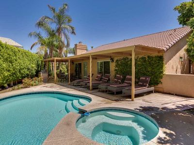 Photo for Experience the desert lifestyle in this delightful vacation home!