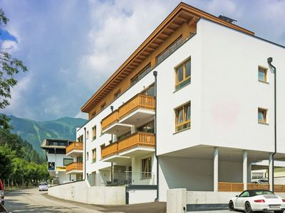 Photo for Luxurious and centrally located apartment in Zell am See