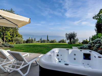 Photo for Cà Bianca sotto: in the middle of the nature with jacuzzi and lake view
