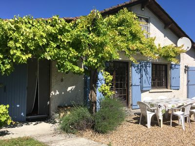 Photo for Charming 4 bedroom farmhouse nr Brantome with heated pool discounted prices