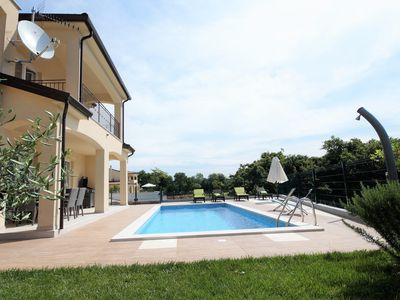 Photo for **** Villa Mara with private pool + yard