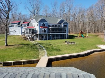 Eagle's Cove, 8800 SF/12 Acres+3/4 mile water front - Opt Boat Rntl