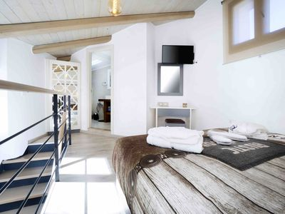 Photo for Waterkourou Cottage With Heated Pool