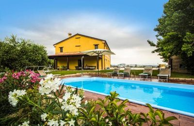 Photo for Holiday house Montefano for 14 persons with 6 bedrooms - Holiday house