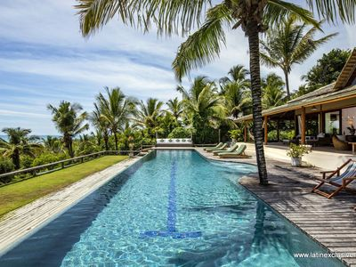 Photo for Bah022 - Beautiful sea front villa with pool in Trancoso