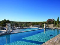 Perfect for a family getaway for a few nights in Hill country.