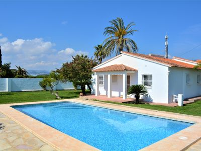 Photo for Spacious villa with pool and garden in the sea ideal families. Wifi