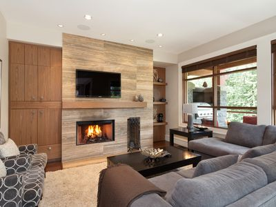 Photo for Luxury Townhome ★ Large Group Friendly ★ Close to Slopes, Private Hot Tub