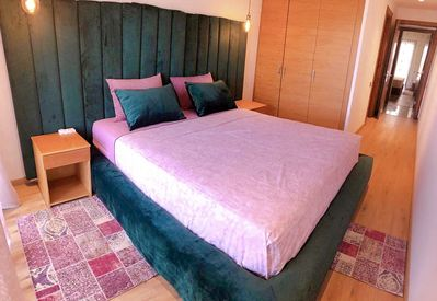 Extra king room with premium bed