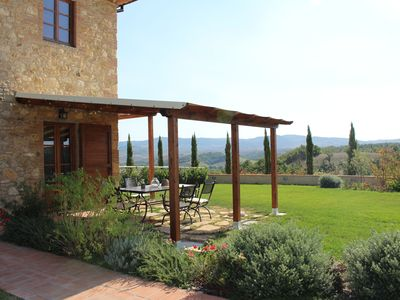 Photo for Fantastic apartment with terrace and pool overlooking Volterra