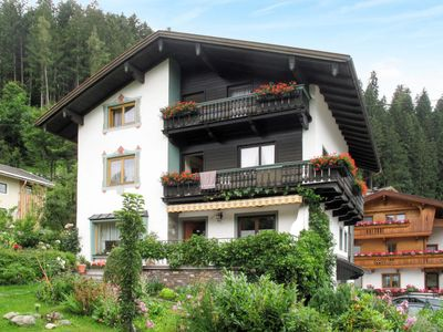 Photo for 3 bedroom Apartment, sleeps 6 in Ried im Zillertal with WiFi