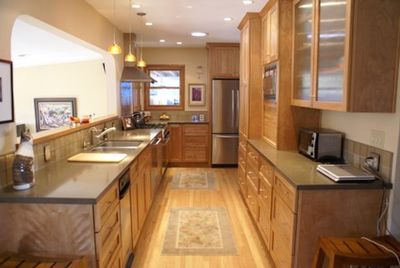 Fully stocked high-end quality kitchen